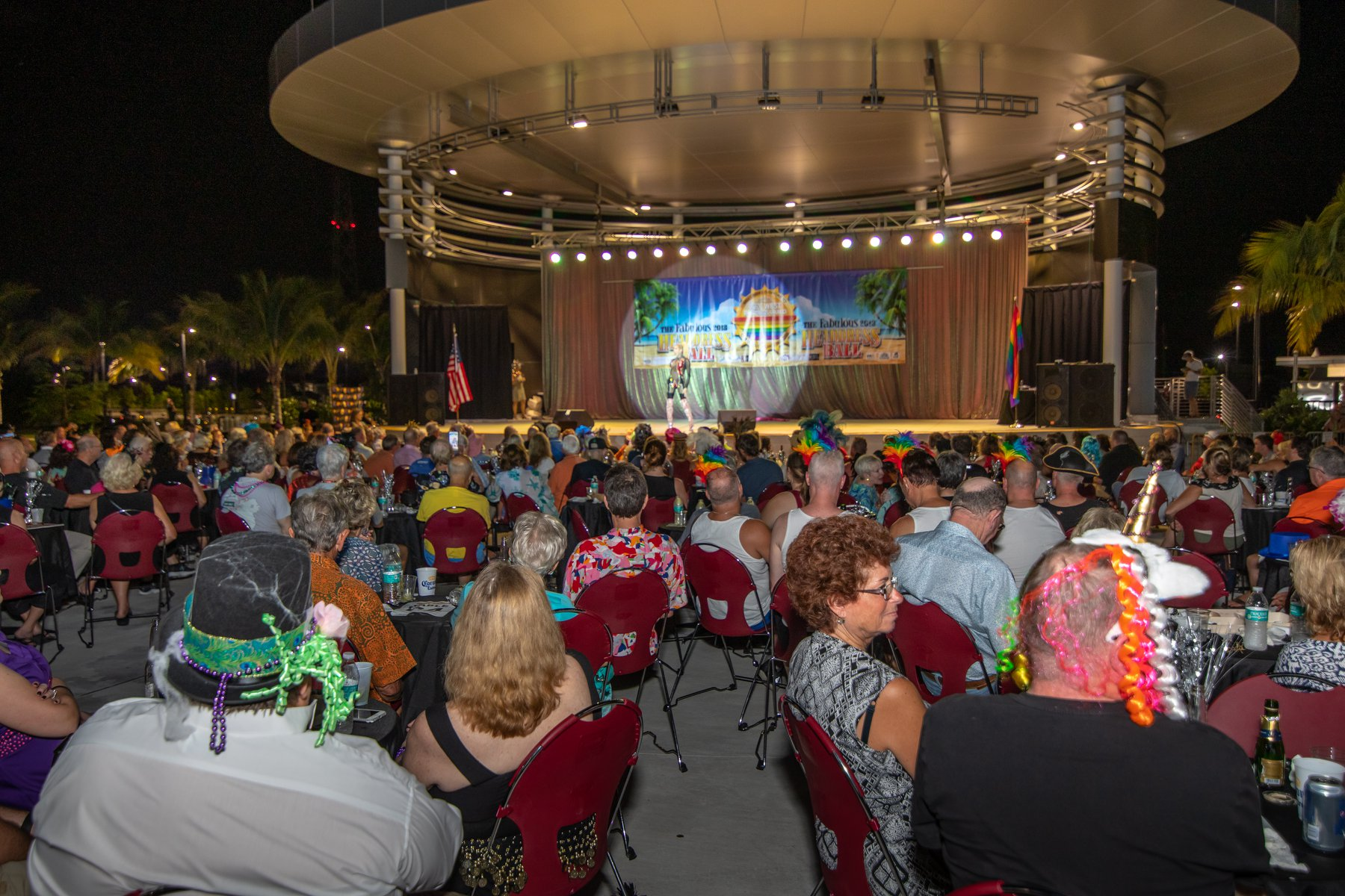 crowd at the key west amphitheater